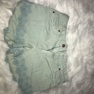 Floral Trim High-Wasted Shorts (Sz: 8)